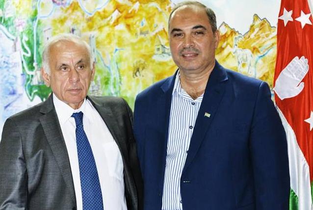 С официальным представителем ТПП Абхазии в Сирии на 60-ой Международной выставке в Дамаске, сентябрь 2018 года