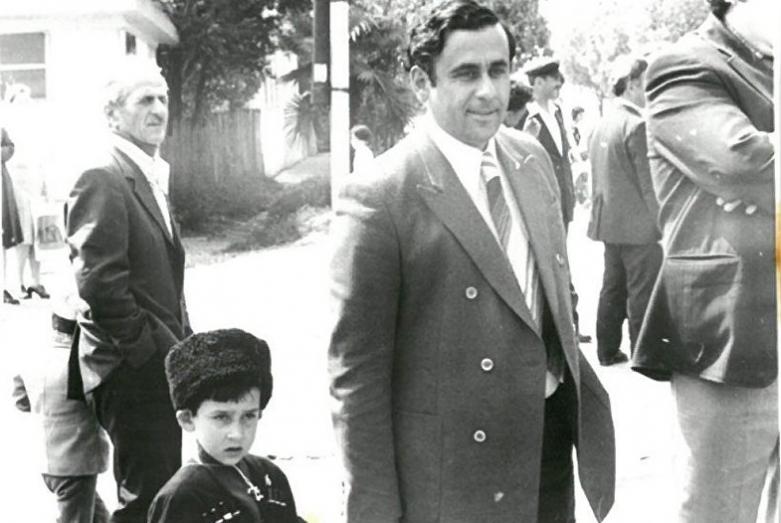 Геннадий Гагулия с сыном Астамуром, 1979 год