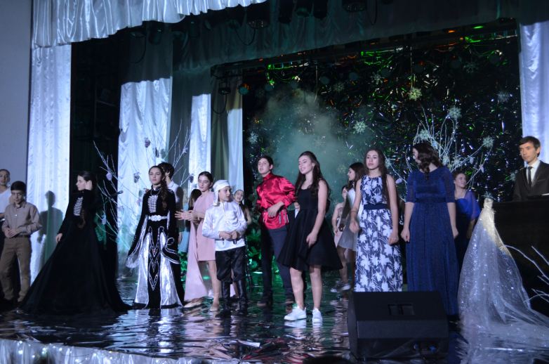 За звание лучшего певца в вокальном проекте «Орфей» борются 17 участников, выступления оценивает компетентное жюри