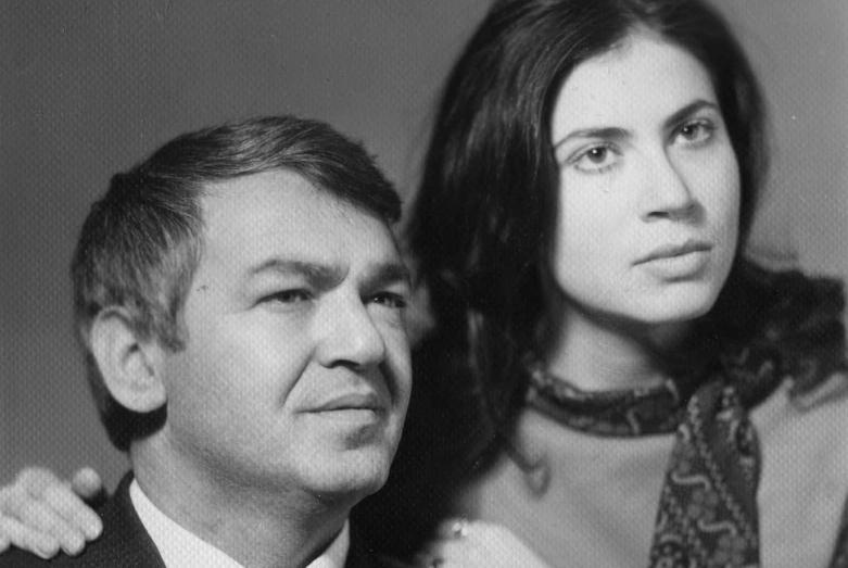 مع زوجته ألينا أوتيربا، عام 1964