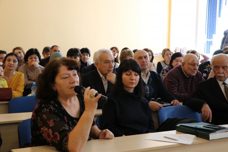 Вопросы сохранения и развития абазинского языка обсудили на круглом столе в Черкесске