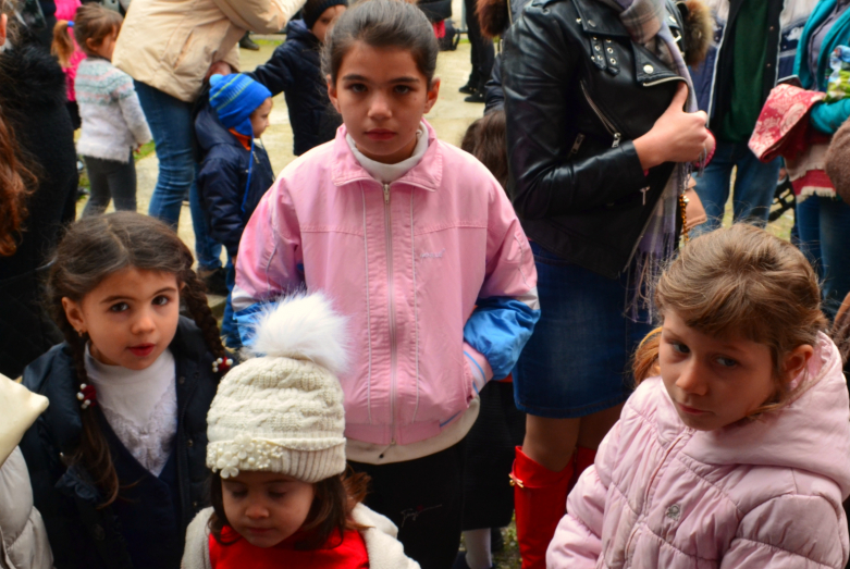 """Soul Warmth"" action continues to work: 383 children were given out new winter clothes"
