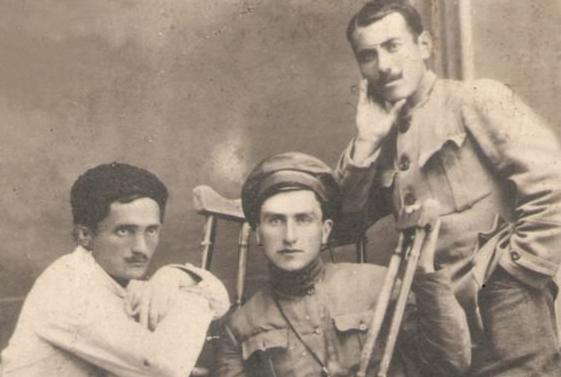 Нестор и Василий Лакоба в отряде «Киараз» в 1918 году