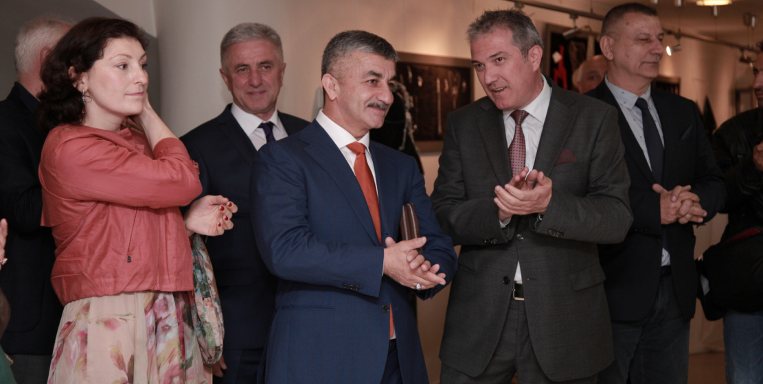 Within the framework of the visit, the delegation of the WAC headed by Mussa Ekzekov visited the exhibition of Abkhazian needlewomen in the city of Adapazar, the administrative center of the Sakarya province.