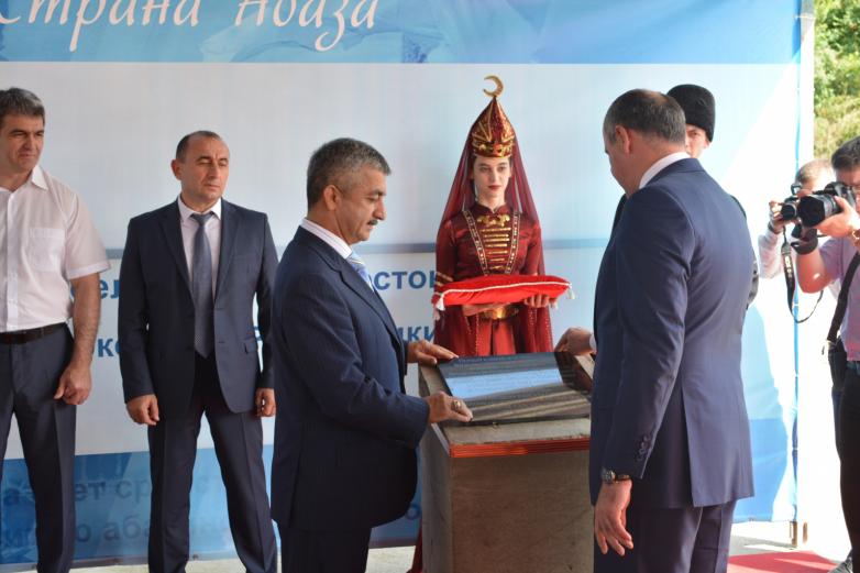 Закладка первого камня Спорткомплекса в ауле Красный Восток, июль 2016 года