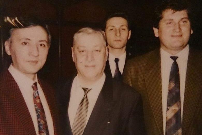 На фото слева-направо: Заур Тутов, Юрий Калмыков, Руслан Коблев и Альберт Кажаров. Москва, январь 1994 года