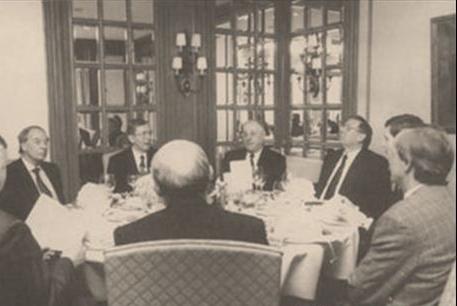 Юрий Калмыков на встрече с зарубежными коллегами. Страсбург (Франция), 1992 год