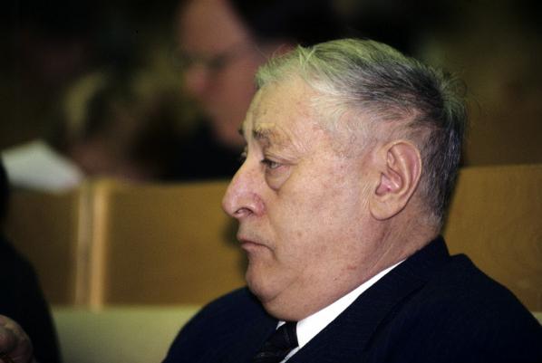 Юрий Хамзатович Калмыков