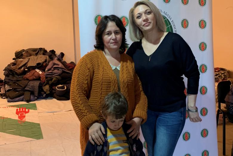 DAK Kadın Kolları Başkanı Geta Ardzınba ve 13 çocuk annesi Ziita Tsatsua