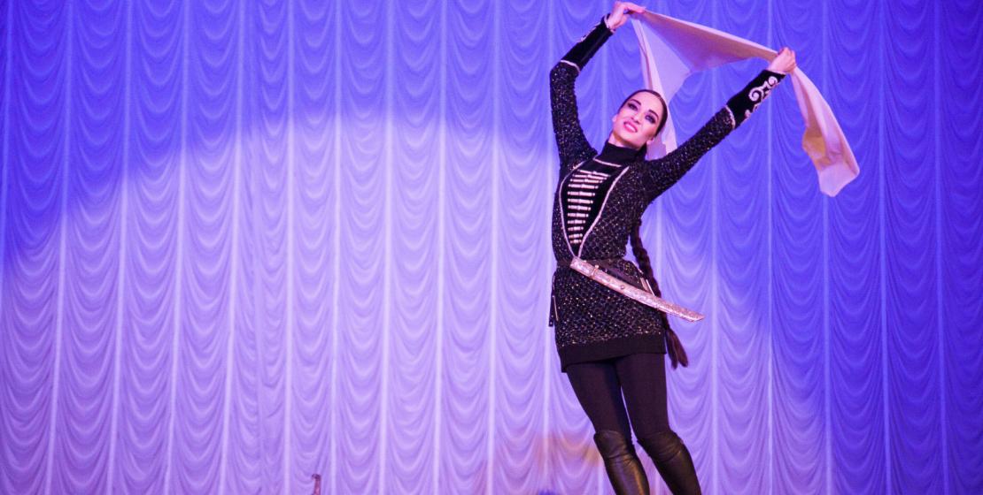 Народный танец – это история, которую со сцены рассказывает ансамбль «Нальмэс»