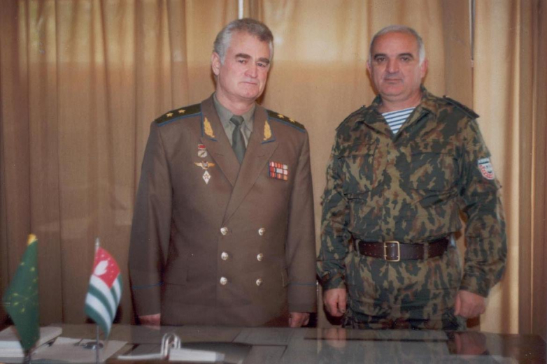 Generals Sultan Sosnaliev and Sergey Dbar