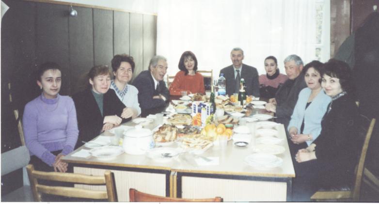 Владимир Тугов с коллективом кафедры за праздничным столом