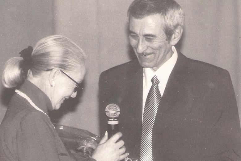 Поздравление Фатимы Кмузовой Керима на творческом вечере 17 марта 2001 года