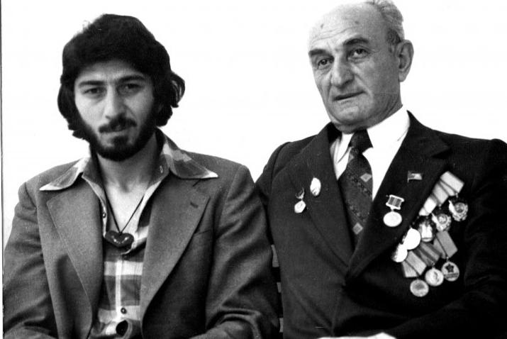 Георгий Дзидзария с сыном Адгуром, 1978 год