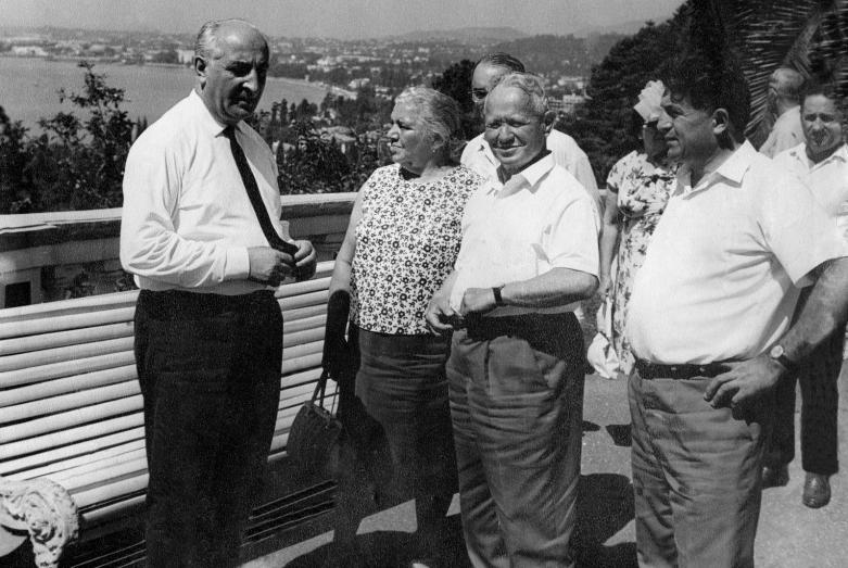 Михаил Шолохов с супругой, Валериан Кобахия и Баграт Шинкуба