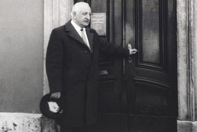 Щынквба Баграт Веймар йтагылу Гёте йтдзы-музей адзхъа дгылапI, Германия, асквш 1986