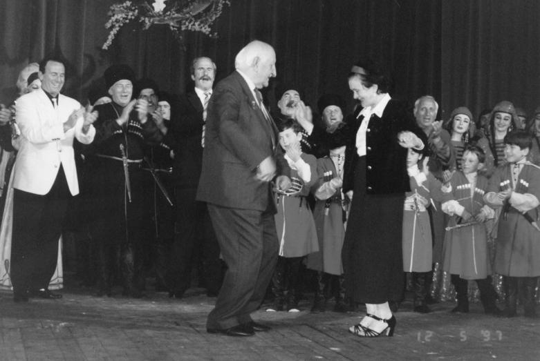 80-летие Баграта Шинкуба, танец юбиляра с Виолеттой Маан