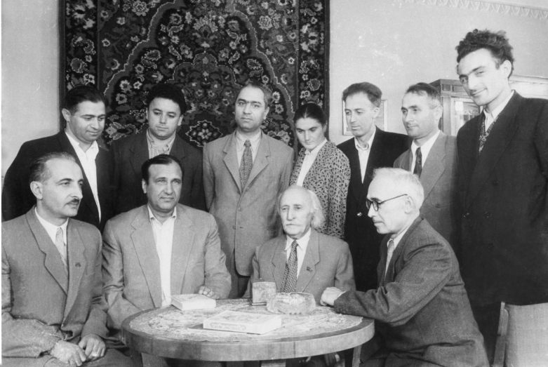 Баграт Шинкуба с абхазскими писателями
