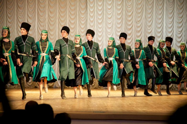 Юбилейный концерт ансамбля «Кавказ», Абгосфилармония имени Раждена Гумба, 21 ноября 2014 год