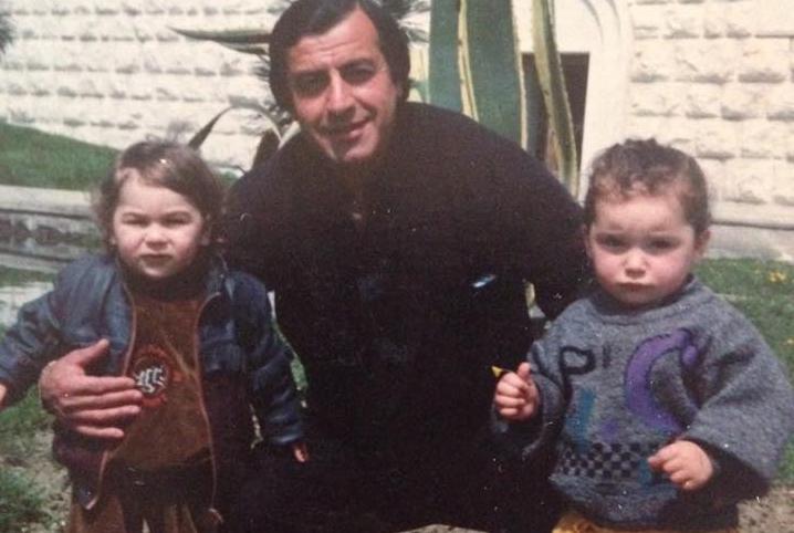 Кандид Тарба с внуками
