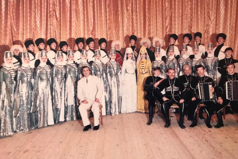 Один из первых составов ансамбля «Кавказ»