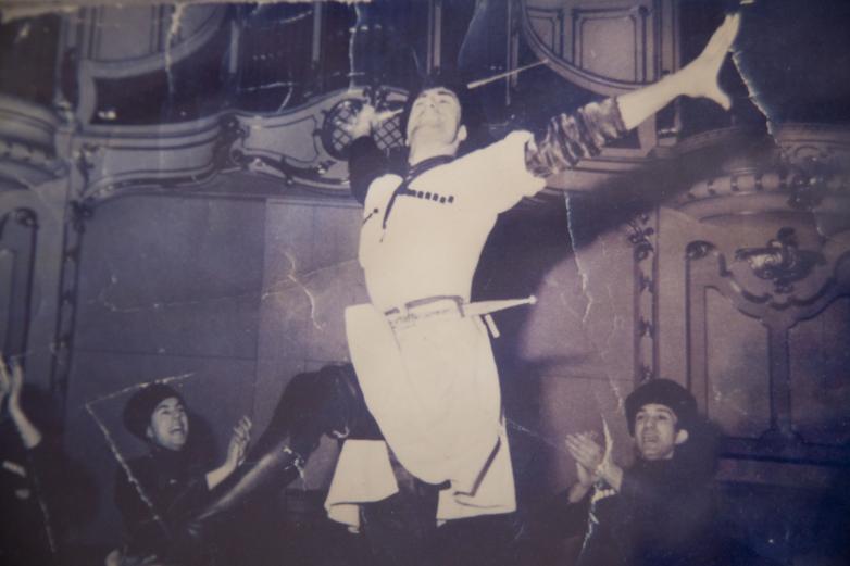 Сольный номер в исполнении Кандида Тарба, малый состав Государственного академического ансамбля народного танца Грузии Сухишвили-Рамишвили, 70-е годы