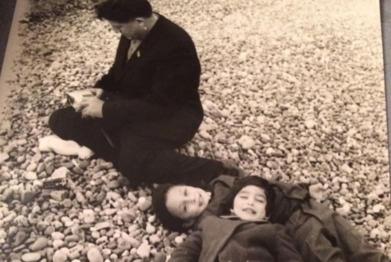 Валериан Кобахия с внуками