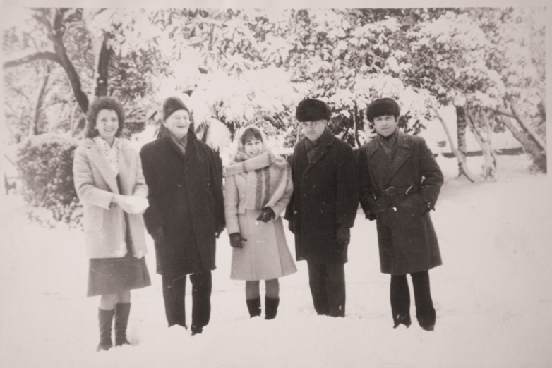 غير معروف، كونستانتين شاكريل، إيلينا مارغانيا، شوتا سالاكايا، ألكساندر غوليا، أول ثلوج عام 1976