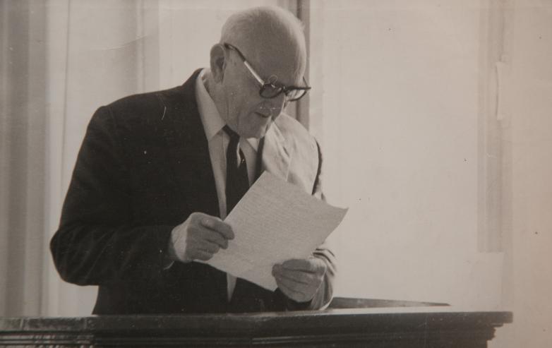 Константин Шакрыл оппонирует на защите диссертации, Нальчик, декабрь,1971 год