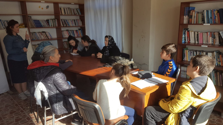 Преподаватель Элис Аргун ведет курсы абхазского языка в Турции