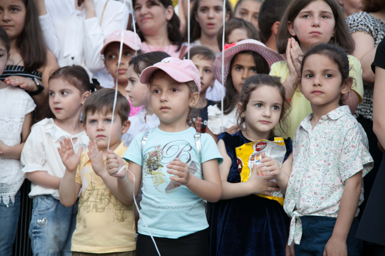 WAC organized and held a childhood holiday in Sukhum on children's day