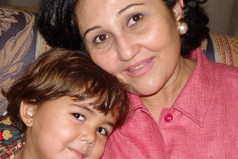 Мона Омар Абаза с внучкой