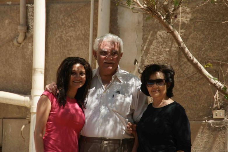 Мона Омар Абаза с семьей