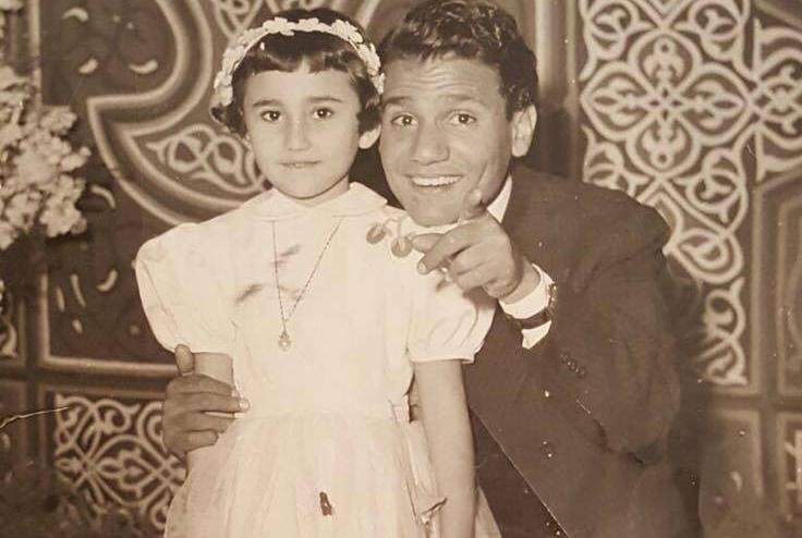 На фото: маленькая Мона Омар Абаза