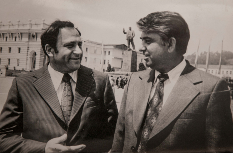 Vladimir Ayüzba ve Şallodiy Acincal