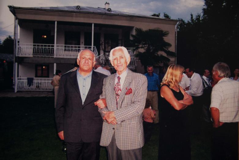 Vladimir Ayüzba ve Cemalettin Ardzınba, Adapazarı, Abhaz avlusu