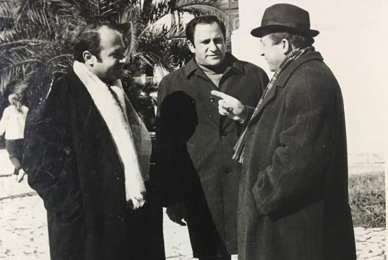 Владимир Авидзба (в середине) с братьями