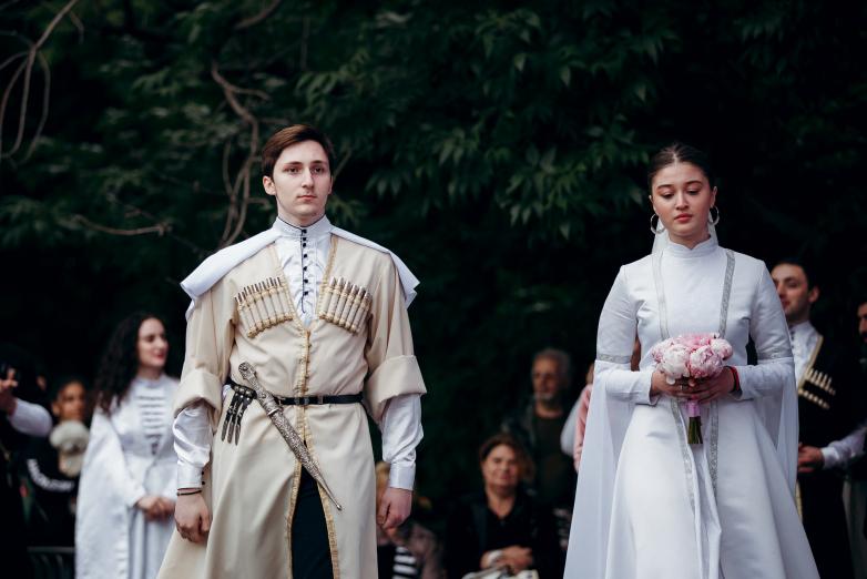 Импровизированная абхазская свадьба на Фестивале абхазской культуры в Москве