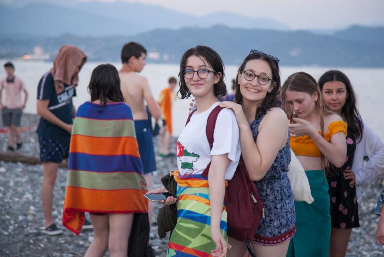 70 детей из абхазских семей Турции и Иордании приехали на отдых в Абхазию