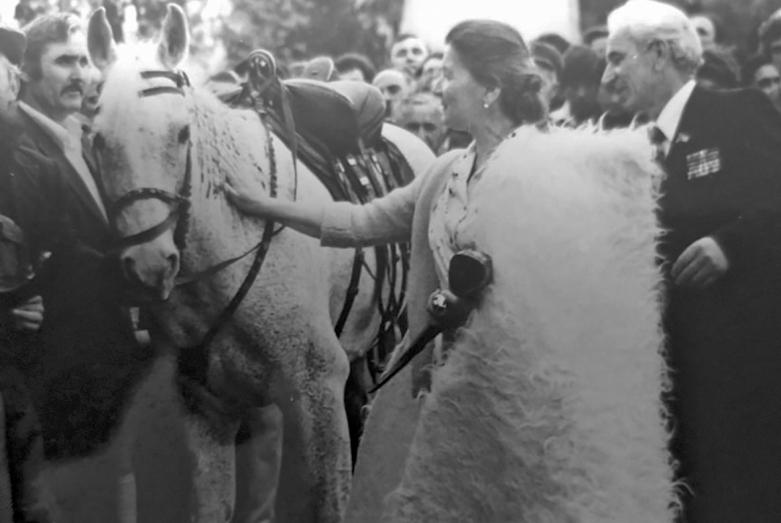 Конь в подарок Марине Эшба, Гудаутский район