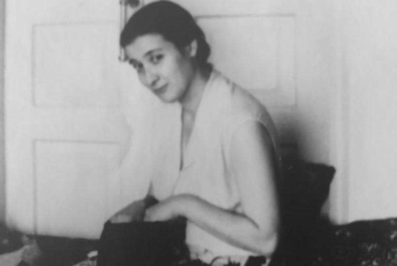 Марина Эшба в московская квартире сестры Лизы