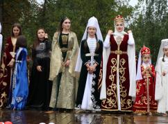 Çerkesk de Abhaz-Abaza kültür ve Abhazya Bayrak Günleri kutlandı