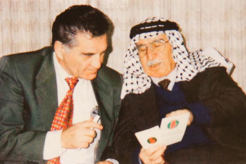 Тарас Шамба и член абхазской общины Иордании, князь Гечба Баха Сейфеддин из рода джигетов (садзов) района Адлер, Амман, 1994 год