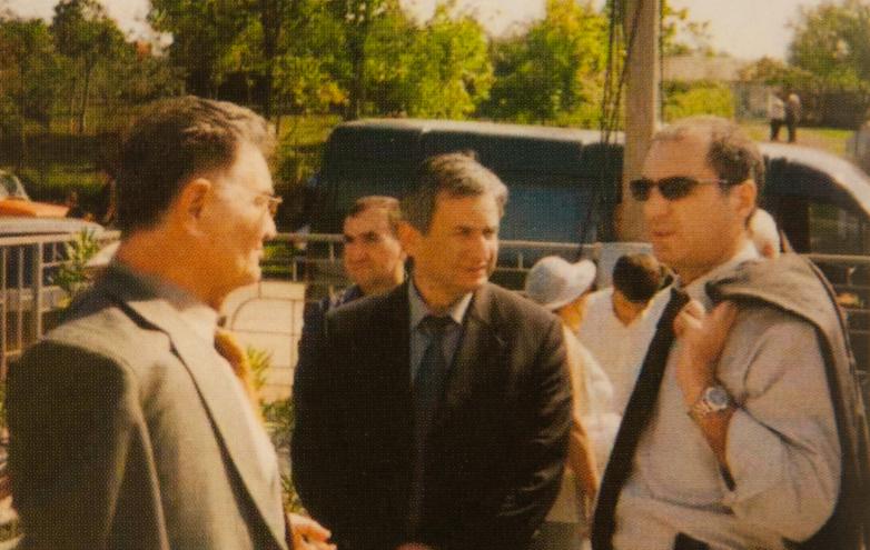 Тарас Шамба, Рауль Хаджимба и Сергей Шамба на праздновании 10-летия победы в Отечественной войне народа Абхазии 1992-1993 годов, Лыхны, 2003 год