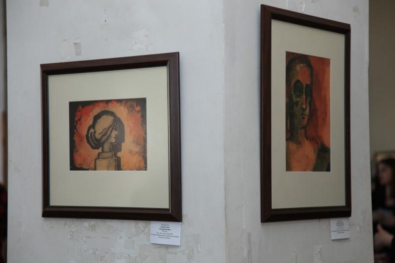 На выставке работ Варвары Бубновой в Сухуме в мае 2016 года. Архивное фото