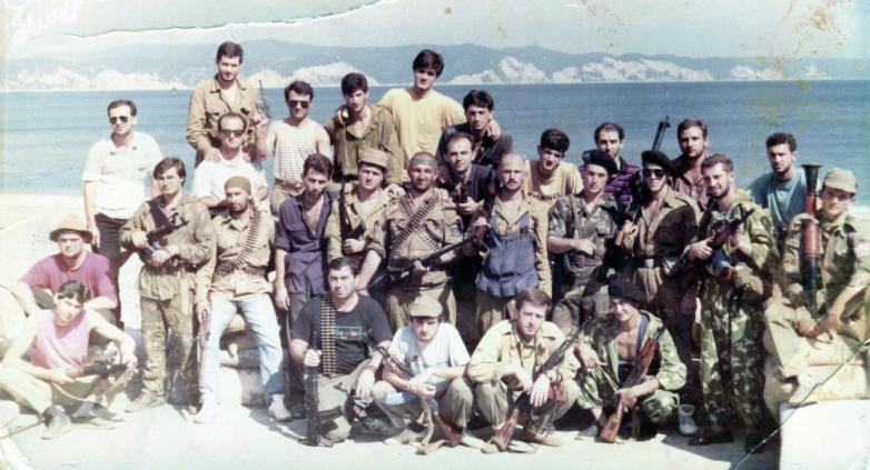 Добровольцы Северного Кавказа и бойцы абхазской армии, Пицунда
