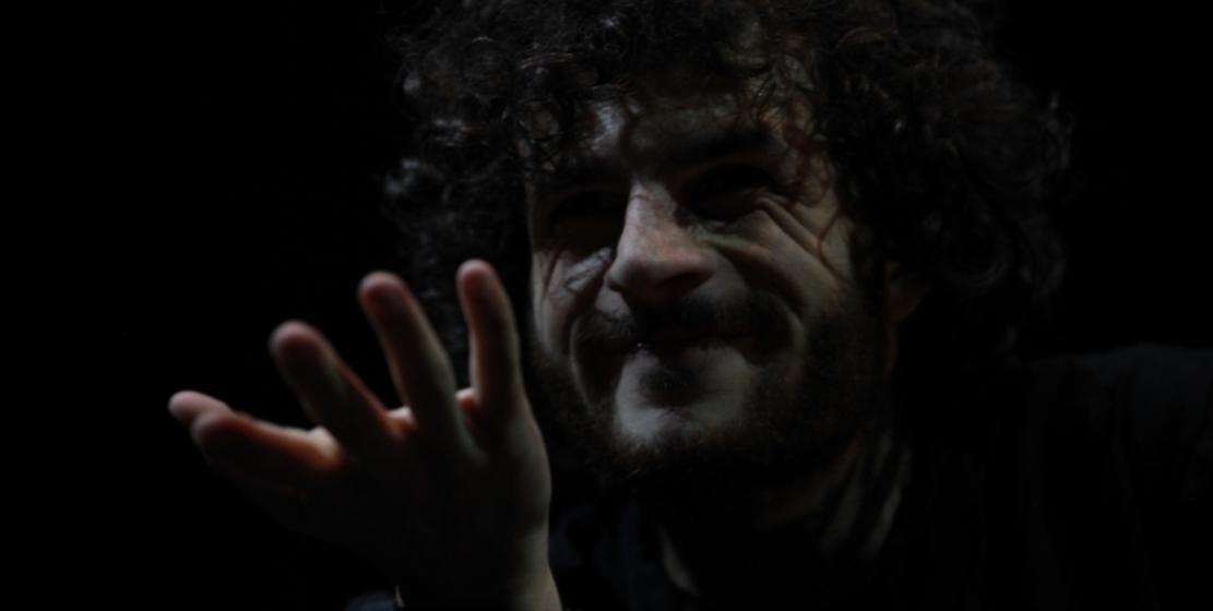 Fotoğrafta: aktör Gudisa Todua – Mercutio rolünde