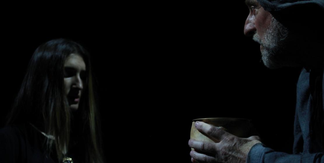 На фото: актеры Лоида Тыркба и заслуженный артист Абхазии Кесоу Хагба в роли Лоренцо