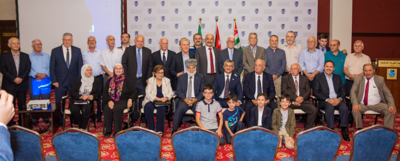 Фото на память по итогам встречи делегации ВААК с абхазо-абазинской диаспорой Иордании, 26 августа 2019 года