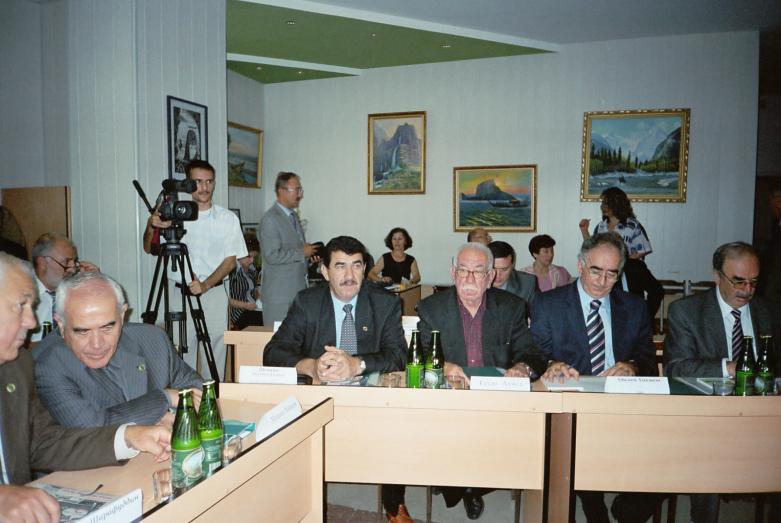 Uluslararası Çerkes Birliği Yürütme Kurulu toplantısı. Lazarevskiy, 2004 yılı